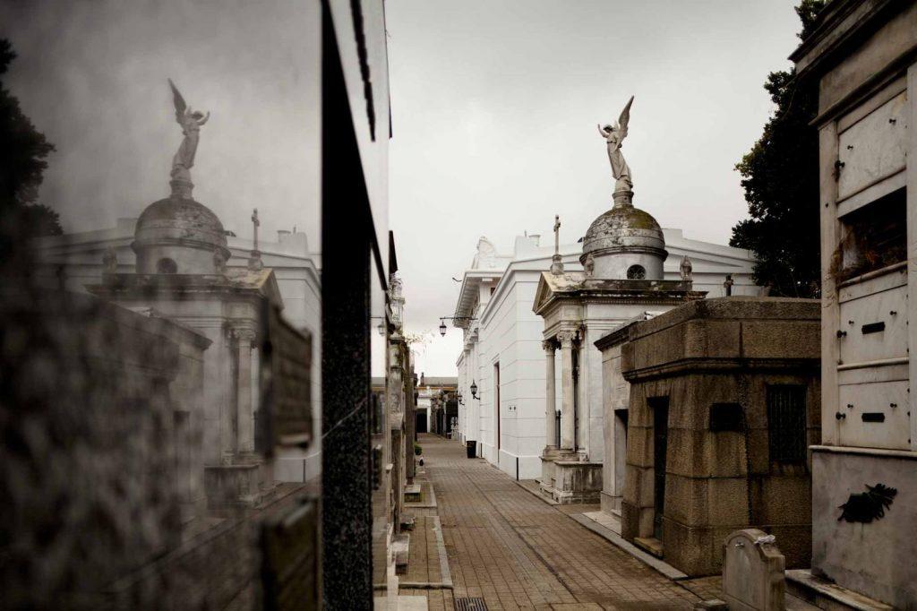 """La """"otra fuente documental"""". La fotografía en la investigación histórica argentina del período 1860-1950. Pautas para su contextualización, lectura y descripción."""
